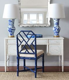 Katie Rosenfeld Design I love combining navy and Chinoiserie. Pops of navy are grounding, preppy, and dressy. Check out these examples....