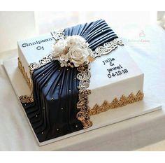 Rohima's Cakes @rohimascakes Square Wedding Cakes, Square Cakes, Unique Wedding Cakes, Beautiful Wedding Cakes, Beautiful Cakes, Amazing Cakes, Fondant Cupcakes, Cake Icing, Buttercream Cake