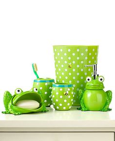 Jay Franco Bath Accessories, Froggy Trash Can Frog Bathroom, Bathroom Kids, Tiny Bath, Cool Kids Bedrooms, Frog And Toad, Frog Frog, Cute Frogs, Pink Elephant, Bathroom Accessories