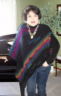 1000+ images about ponchos rectangles on Pinterest Ponchos, Crochet poncho ...
