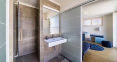 Ziegelmassivhaus Ambiente von RHZ in Eugendorf Alcove, Projects To Try, Bathtub, Cabinet, Storage, Closet, Furniture, Home Decor, Environment