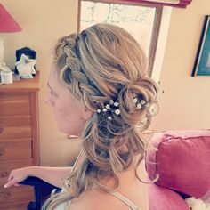 Boho vintage wedding hair with flowers and plait to the side by Katie at Kreation Vintage Wedding Hair, Plait, Wedding Hairstyles, Stylists, Dreadlocks, Boho, Hair Styles, Flowers, Beauty