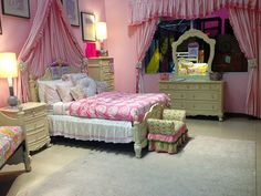 Sleep pretty in pink in the luxurious Cinderella bedroom. #inspiration  #kids_room | Houston, TX | Gallery Furniture |