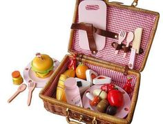 Berry Toys WJ279041 My Picnic Wooden Play Food