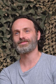 Andrew Lincoln - Photo by Shooting Star Walking Dead Quotes, Walking Dead Pictures, Dead Man Walking, Andrew Lincoln Walking Dead, Andy Lincoln, Rick Grimes, Friday Humor, Funny Friday, Grumpy Cat Humor