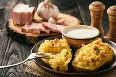 Pommes de terre au four aux lardons : Une recette pour régaler toute la famille ! Creme Fraiche, Baked Potato, Mashed Potatoes, Dip, Baking, Breakfast, Ethnic Recipes, Food, Drinks