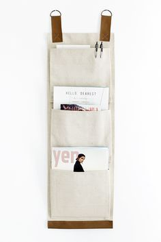 DIY: canvas wall pockets