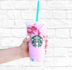 Image about girl in Starbucks by Alexis Roth on We Heart It Copo Starbucks, Bebidas Do Starbucks, Secret Starbucks Drinks, Starbucks Secret Menu, Starbucks Recipes, Starbucks Coffee, Coffee Recipes, Healthy Starbucks, Beachbody Blog