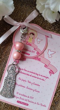 Baptism and First Communion favors - Favor card with religious key-ring - Dia dos professores - Souvenirs First Communion Favors, Silhouette Cameo Tutorials, Baptism Dress, Pearl Color, Card Sizes, Key Rings, Christening, Cards, Handmade