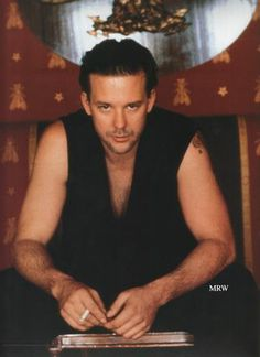 http://www.rottentomatoes.com/celebrity/mickey_rourke/pictures/13996434/