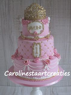 Prinses cake pink with tiara.
