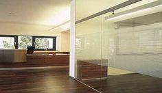Cloison vitrée fixe, verre dépoli & sérigraphie | Kytom