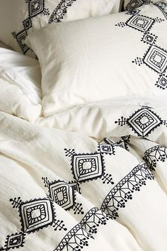Shop Anthropologie's duvet covers in full, queen & king sizes. Boho styles & the latest trends in bold prints, linen fabrics, embroidered textures & more. Bed Cover Design, Cushion Cover Designs, Saree Painting, Fabric Painting, Fabric Paint Shirt, Hand Embroidery Designs, Embroidery Patterns, Deco Baby Shower, Embroidered Bedding