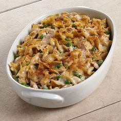 Mom's Favorite Tuna Noodle Casserole is a classic comfort food, featuring Chicken of the Sea® Chunk Light Tuna in Water, baked to creamy perfection and topped with crunchy bread crumbs. Tuna Recipes, Seafood Recipes, Chicken Recipes, Dinner Recipes, Cooking Recipes, Healthy Recipes, Recipe Chicken, Cooking Food, Pasta Recipes