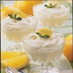 ❥ Lemon Dessert Love ❥ Fast Light Lemon Mousse Recipe 5 from Taste of Home Lemon Desserts, Lemon Recipes, Mini Desserts, Just Desserts, Refreshing Desserts, Delicious Desserts, Yummy Food, Dessert Crepes, Dessert Dishes