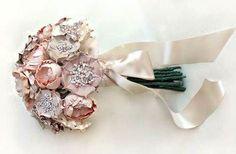 Bouquet da sposa con fiori di seta, scopri i più belli
