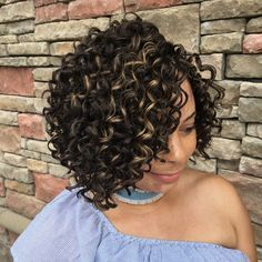 Protect your naturally kinky curly hair with curly crochet braids that blend seamlessly with your natural curls. There is a crochet curly style for everyone. Graduated Bob Hairstyles, Bobbed Hairstyles With Fringe, Bob Hairstyles For Fine Hair, Medium Bob Hairstyles, Braided Hairstyles, Black Hairstyles, Short Crochet Braids Hairstyles, Evening Hairstyles, Hairstyles Pictures