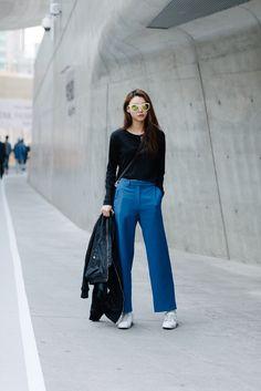 Streetstyle: Bae Yoon Young at Fall 2015 Seoul Fashion Week shot by Alex Finch
