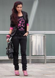 http://fashion.onblog.at/bilder/201003/glam-rock-style-band-shirt-503.jpg