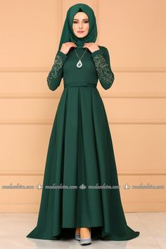 Modaselvim RULES Pleated Peplum Evening Dresses Emerald Source by Hijab Gown, Hijab Dress Party, Women's Dresses, Stylish Dresses, Evening Dresses, Abaya Fashion, Fashion Dresses, 70s Fashion, Fashion Trends