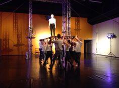 Sirkusopiskelijoiden huimia esityksiä sirkusalan uusien tilojen avajaisissa 9.4.2015 Concert, Concerts