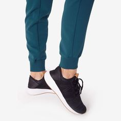 These sleek, stylish jogger scrub pants are super comfy but have a streamlined, urban-inspired feel and functionality to keep up with your hustle. Scrub Shoes, Scrub Pants, Height And Weight, Scrubs, Fashion Brands, Joggers, Ankle, Stylish, Womens Fashion