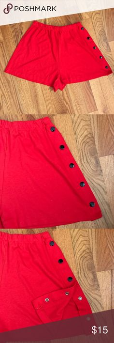 "Vintage 70s Red Knit Snap Side Drapey Shorts XS S Cute soft tee shirt knit shorts with full side snaps. From the very late 70s or early 80s. Elastic waist. Excellent condition. Waist up to 26"". Length 14"" Vintage Shorts"
