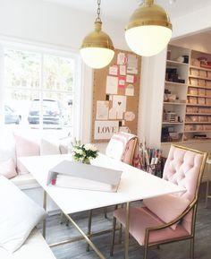 home office – Office Design 2020 Feminine Office Decor, Chic Office Decor, Feminine Home Offices, Stylish Office, Home Office Space, Home Office Design, Closet Office, Office Spaces, Work Spaces
