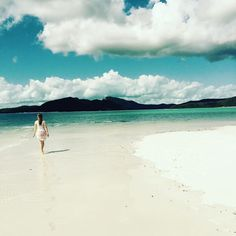 Leave only footprints! #paradise #heavenonearth #whitehavenbeach #whitsundays #greatbarrierreef #holidays #happiness #bliss #adventures by heather_peevers http://ift.tt/1UokkV2