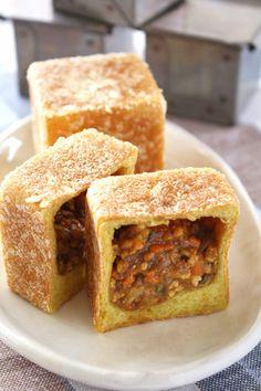 キューブ・ミニ焼きカレーパン by 馬嶋屋菓子道具店 [クックパッド] 簡単おいしいみんなのレシピが244万品