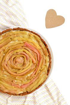 Tarte à la rhubarbe, crème pâtissière romarin (vegan, sans gluten) - Sweet & Sour | Healthy & Happy Living