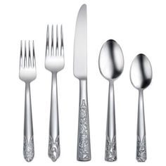 Inspired by fine leather detailing, the Oneida Durango 45 piece flatware set dons a lovely mirror finish that accentuates its craftsmanship. The handles feature carved floral details at the tips. Flatware Storage, Flatware Set, Oneida Flatware, Cutlery, Kitchenware, Tableware, Table Top Design, Crystal Stemware, Thing 1