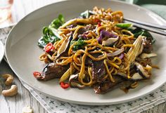 Hayden Quinn's stir-fried beef with Asian greens recipe - 9Kitchen