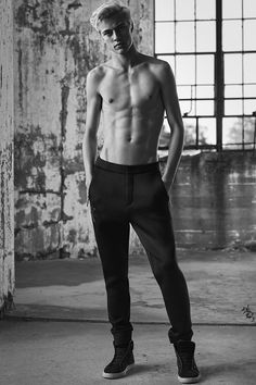 Add a luxe touch to everyday sportswear with the Spacer tailored joggers from the Calvin Klein Jeans Black Series Limited Edition capsule. Male Models Poses, Male Poses, Lucky Blue Smith, Look Man, Body Poses, Male Body, Handsome Boys, Cute Guys, Pretty Boys