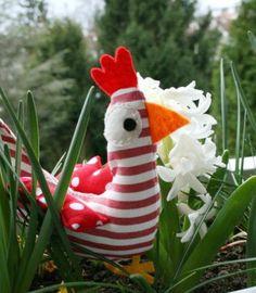 Patron pour confectionner une poule de Pâques en tissu