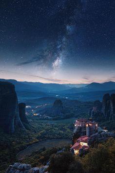"heaven-ly-mind:  ""Meteora""  🦂"