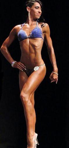 Bikini Fitness. hermosa combinación de cristales, conectores y diseño.
