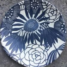 Let heaven and nature sing of His Glory click the image or link for more info. Ceramic Tableware, Ceramic Decor, Ceramic Design, Ceramic Clay, Ceramic Pottery, Painted Plates, Hand Painted Ceramics, White Ceramics, Sgraffito