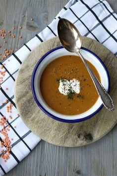 Köstliche Seelenwärmer: 20 Suppenrezepte für den Winter Soup Recipes, Healthy Recipes, Healthy Food, Good Mood, Thai Red Curry, Main Dishes, Tasty, Meat, Baking