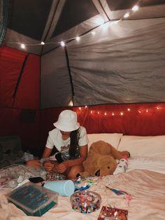 Vsco Tent Camping Vsco Zelt Camping Tattootentcamping Goalstentcamping Vsco Tent Camping Lights Tent Camping Quotes Tent Camping With Baby Tent Camping - Besondere Tag Ideen Tent Camping Beds, Backyard Camping, Camping Glamping, Camping In The Rain, Camping Set Up, Camping With Kids, Camping Ideas, Camping Essentials, Camping Hacks