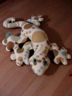 handmade stuffed gecko, Fleece Menagerie Funky Friends Factory pattern