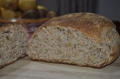 Pane integrale, semola di grano duro macinato a pietra, pane con grano siciliano, lievito madre