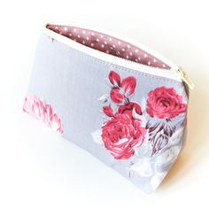 Small Cosmetic Bag Accessory Pouch in Cabbage Roses £12.00