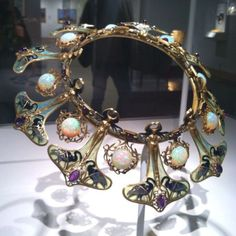 Gorgeous art nouveau Lalique necklace at the Met - photo by Mariana Leung