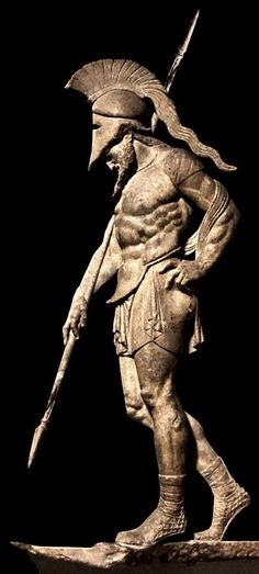 Preciosa estatua de un antiguo guerrero Griego /  ancient Greek warrior #Historia #History