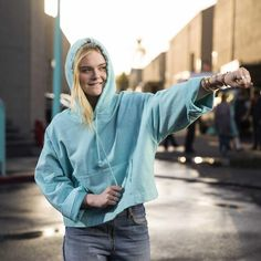 Fresh face: Elle Fanning stars in Tiffany campaign Fanning Sisters, Daughter Of Zeus, Blonde Hair Blue Eyes, Elle Fanning, Fresh Face, My Character, American Actress, Tiffany, Fangirl