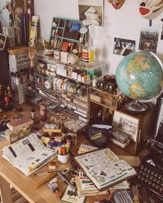 Dream Desk, Desk Stationery, Indie Room, Beautiful Mess, My Journal, Travelers Notebook, Arts And Crafts, Memories, Creative
