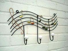 Perchero.http://Promusicianslist.com