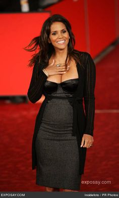 Halle Berry, 40's PREGNANT AND STUNNING!