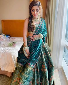 Bridal Sarees South Indian, Indian Bridal Outfits, Indian Bridal Fashion, Indian Gowns Dresses, Indian Fashion Dresses, Indian Designer Outfits, Saree Fashion, Women's Fashion, Wedding Lehenga Designs